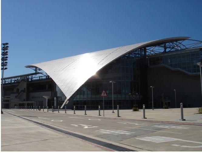 高鐵新竹站-複層金屬屋面版-1