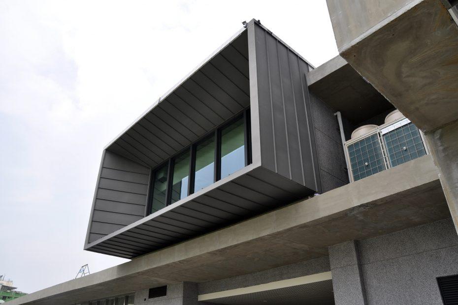 高雄滯洪池-鈦鋅板牆面工程